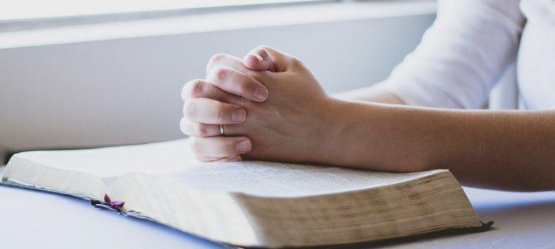 Modlitwa o cud – wyjście z długów z pomocą świętych